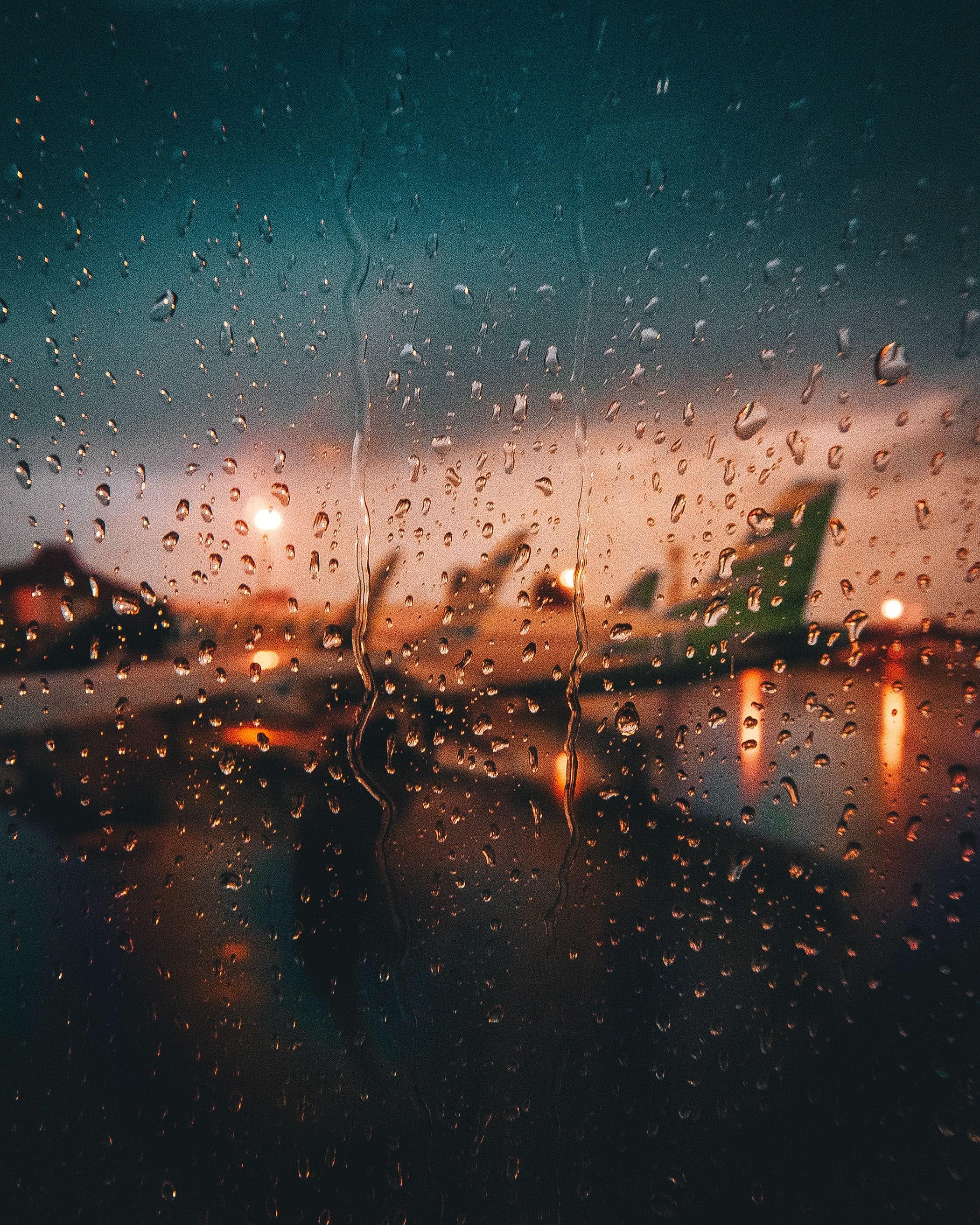 Airport & Rain